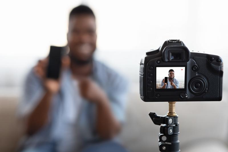 geld verdienen als vlogger